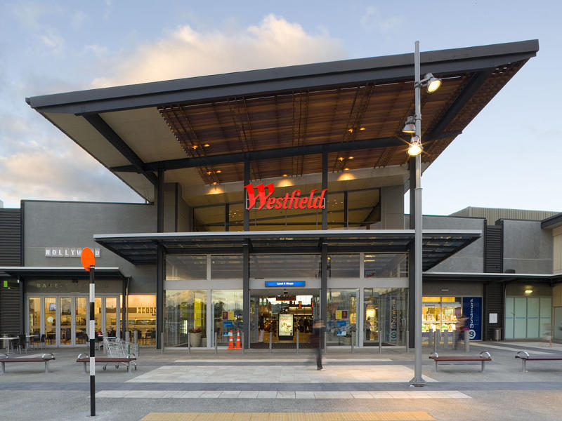 Our Albany outlet mall guide has all the outlet malls in and around Albany, helping you find the most convenient outlet shopping according to your location and travel plans. OutletBound has all the information you need about outlet malls near Albany, including mall details, stores, deals, sales, offers, events, location, directions and more.